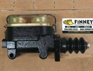 D131596 Case 850D 855D  DOZER LOADER Brake Master Cylinder 450C 455C 550