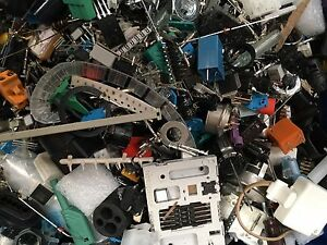 2KG+ of RS Loose Assorted Electronic Components Transistors, IC's, Hardware etc