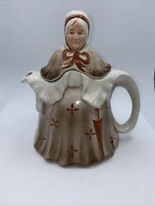 "Vintage Tony Wood Studio ""Little Old Lady"" Figural English Teapot brown"