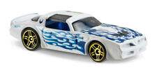 Hot Wheels DVB75 '77 PONTIAC FIREBIRD WHITE WITH BLUE FLAMES SHORT CARD