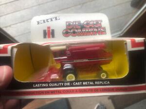 Vintage Case IH ERTL 1:80 Die Cast Combine Replica #1520-141H