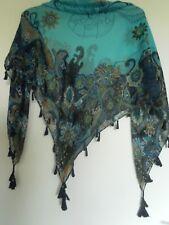 Foulard carré voile de polyester turquoise,pompons et cadre fleuri bleu marine