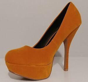 "NEW!! Womens Qupid Gold Velvet 5"" Heels Classic Pumps Size 8M US 38M EUR"
