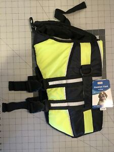 Petco Flotation Vest For Dogs - Size M, Fits Chest Size 21-30 Inches