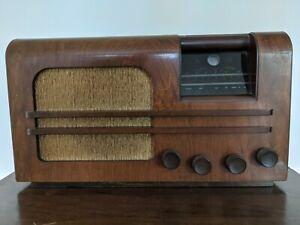 Vidor Chanson CN349 1946/7 Table Top Wooden Cased Radio