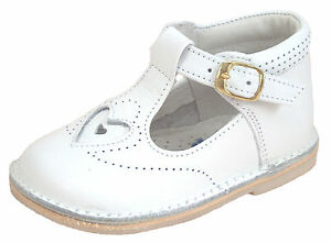 DE OSU - Baby Girls White Leather Heart Dress/Casual Shoes -European Size 3-5