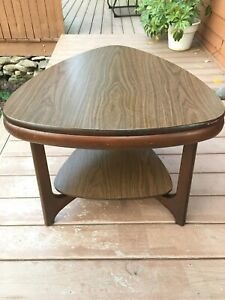 1960s Mid Century Modern Mersman Sculptural End Table Guitar Pick Walnut