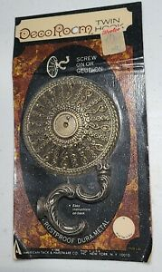 Twin Wall Hook American Tack Hardware Deco Room Ornamental Antique Brass NIP