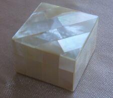 Pilulier boite pilules bijoux carrée nacre