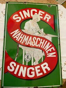 uraltes SINGER Nähmaschinen Emaille Schild 1920 a. historischen Marktstraße TÖLZ