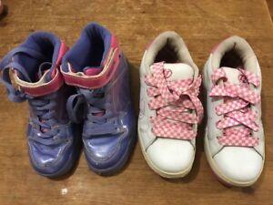 2 X Girls Heelys U.K. Size 2
