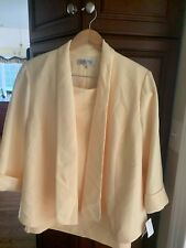 Womens new Kasper suit size 16W skirt and matching jacket in butter color.