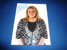 JACKI WEAVER  signed Autogramm In Person  20x25 cm SILVER LININGS