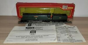 TRIANG/ HORNBY OO GAUGE R356 BATTLE OF BRITAIN CLASS WINSTON CHURCHILL BOXED