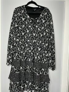 Ladies SIMPLY BE Black Floral Print, Tiered Dress/Tunic Top  Size 24 Long Sleeve