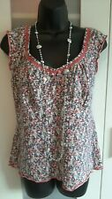 PER UNA SIZE 16 COTTON STRETCH SLEEVELESS TOP IN A LOVELY DITSY FLORAL PRINT.