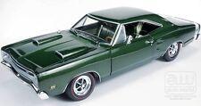 1969 Dodge SuperBee GREEN 1:18 Auto World 1001