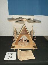 Alte Weihnachtspyramide Hänel Börnichen Erzg. mit geschnitzten Rehen (WP21)