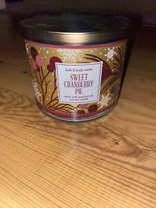 Bath & Body Works   SWEET CRANBERRY PIE  LARGE 3 WICK CANDLE