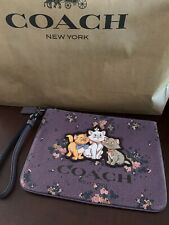 Disney X Coach Gallery Pouch With Rose Bouquet Print And Aristocats Marie