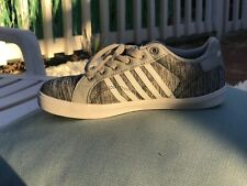 k swiss grey and white shoe youth 2.5