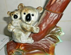 JIM BEAM DECANTER WITH KOALA AND BABY AUSTRALIAN THEME. NO CHIPS OR CRACKS