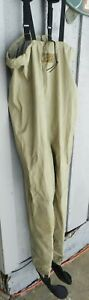 CABELA'S Men's Stocking Foot Chest Waders Polyester/Nylon size MR Medium - Tan