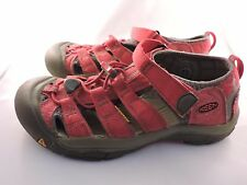 KEEN Youth Newport H2 Sandals Rose Red Gargoyle Waterproof Outdoor Shoes Youth 4