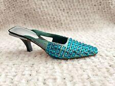 Just the Right Shoe - Midori