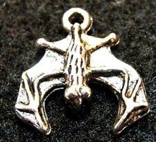50Pcs. WHOLESALE Tibetan Silver HALLOWEEN   BAT  Charms Earring Drops Q1260
