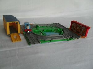 THOMAS & FRIENDS TAKE n PLAY SODOR DELIVERY MAIL + 1 DIE-CAST TRAIN - 2009