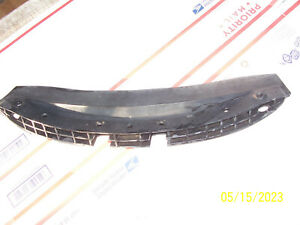 1997 1998 LINCOLN MARK VIII GRILL to BUMPER MOUNT SUPPORT OEM USED