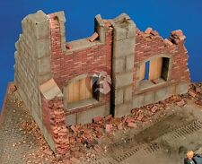 Royal Model 1/35 Stone & Brick Barn Building Ruin Section [Plaster Diorama] 010