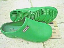 NEW Town & Country green lightweight CLOGGIES--Size 11 UK adult.