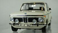 BMW 2002 TI 1971 VINTAGE 1:18 CLASSIC WHITE CREAM COLLECTIBLE TOY MODEL CAR