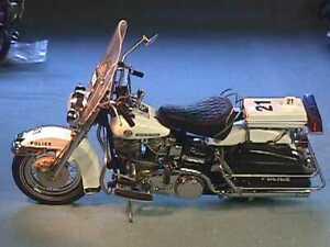 FRANKLIN MINT 1976 HARLEY DAVIDSON ELECTRA GLIDE POLICE FLHP ERROR WHT 1/10 MINT