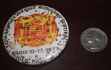 1977 MERRIE MONARCH HULA FESTIVAL HAWAII  PIN HAWAII BADGE HAWAIIAN COATOF ARMS