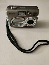 Fujifilm FinePix A205 Digital Camera Point Shoot 2MP 1.5