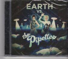 (FX493) Earth Vs The Pipettes - 2010 CD