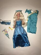 GRADUATION BARBIE DOLL Mattel Class of 1998 Blue Gown JRFB Special Edition 17830