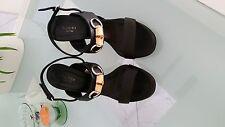 Exklusive Sandaletten Gucci Gr.38,5 Schwarz, neuwertig, hergestellt in Italien!