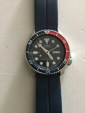 Seiko Automatic SKX009K1 Wrist Watch for Men Black. Self-winding. Water Restant.
