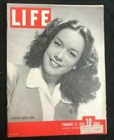 LIFE MAGAZINE - Feb 21 1944 - PATRICE MUNSEL / Opera Star / Military Hospital
