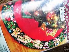 Christmas BUCILLA Felt Applique TREE SKIRT Kit,MARY'S WREATH,Engelbreit,85466,42