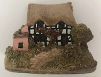 Lilliput Lane Magpie Cottage England Collection Handmade UK Miniature House