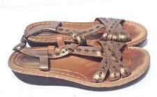 CLARKS ARTISAN WOMEN'S BRASS LEATHER COMFORT SANDALS SZ 8.5M VERY GOOD COND.