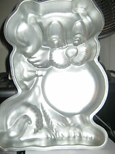 Wilton Playful Puppy Dog With Frisbie Cake Pan (502-7636, 1978)