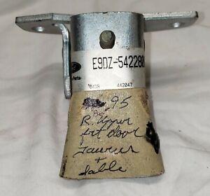 NOS 86- 95 FORD TAURUS MERCURY SABLE UPPER RH DOOR HINGE E9DZ-5422800-B