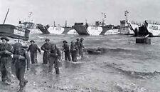 8x6 Gloss Photo ww710 Normandy D-Day Gold Beach Landing Craft Tanks