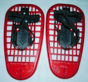 LL Bean Little Bear Cubs Red Snowshoes Plastic 5-12 Youth Adjustable Unisex 8x16